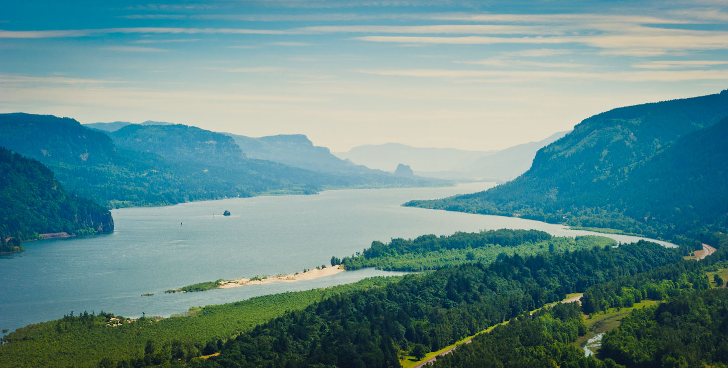 Overview of Columbia River Gorge, Oregon